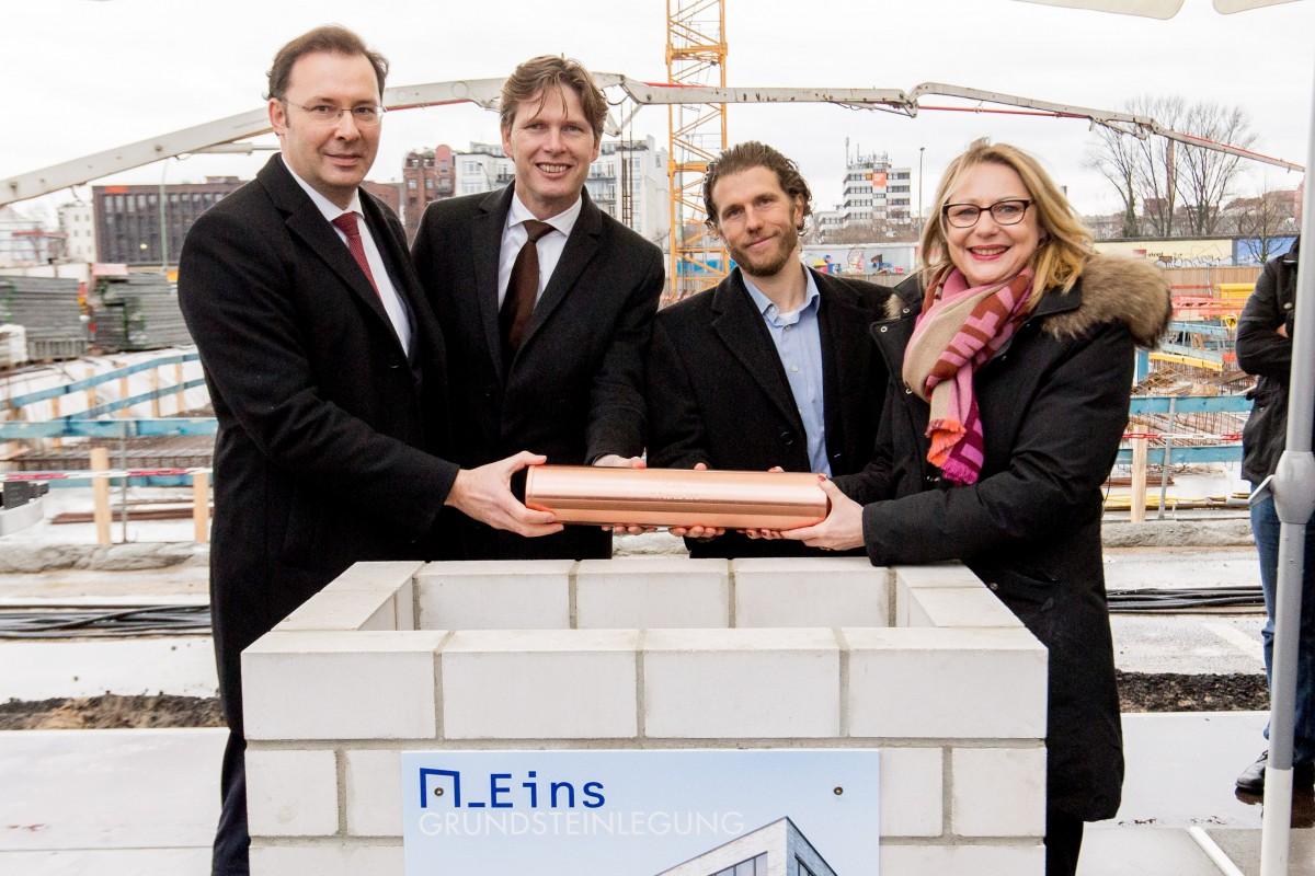 Michael Nagel, Coen van Oostrom, Dr. Jan Kemper, Cornelia Yzer (v.r.)